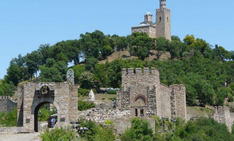 Крепостта Царевец и хълма Трапезица във Велико Търново